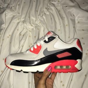 Nike Air Max 90 Infrared (youth size 6.5/womens 8)